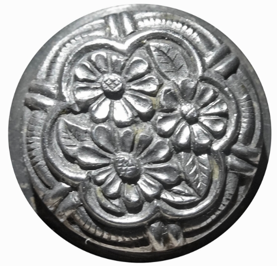 Picture of Impression Die Triple Flower Bordered Button