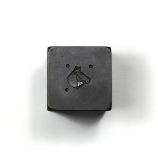 Picture of Minimalist Horse Head Smooth Silver Stamping