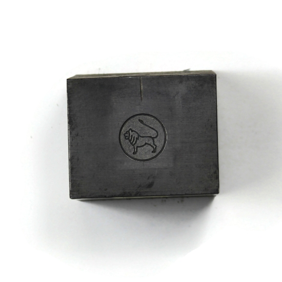 Picture of Minimalist Leo Silver Stamping