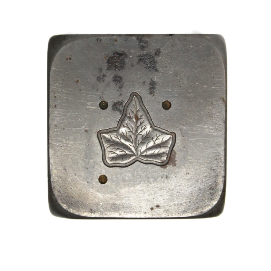 Picture of Small Ivy Leaf Silver Stamping