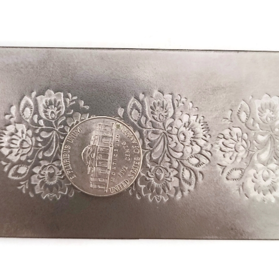 Picture of Pattern Plate RMP113 Floral Rounds
